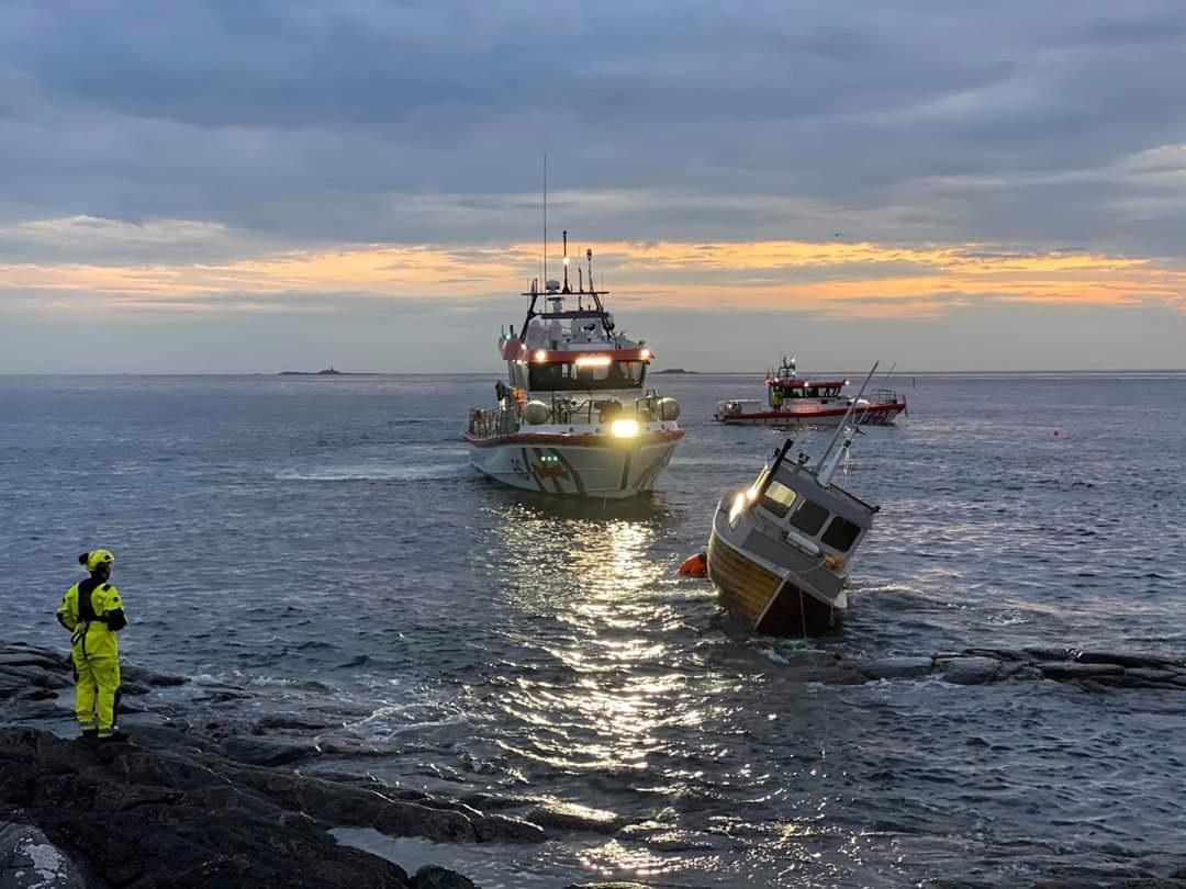 Redningsskøyte - Fritidsbåt - Grunnstøting - Redningsselskapet