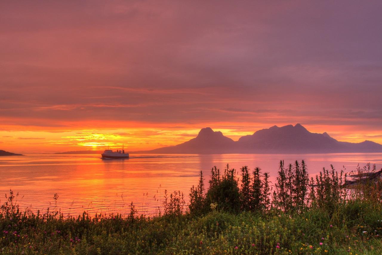 Midnattsol - Bodø - Salten - Nordland - Bilde til Nord norsk reiseliv