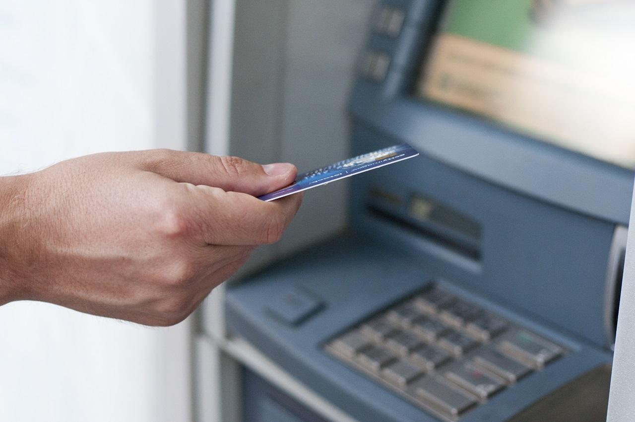 Dinero.no - Betaling i utlandet - Pengeuttak - Kredittkort - Debetkort - Valutakurser
