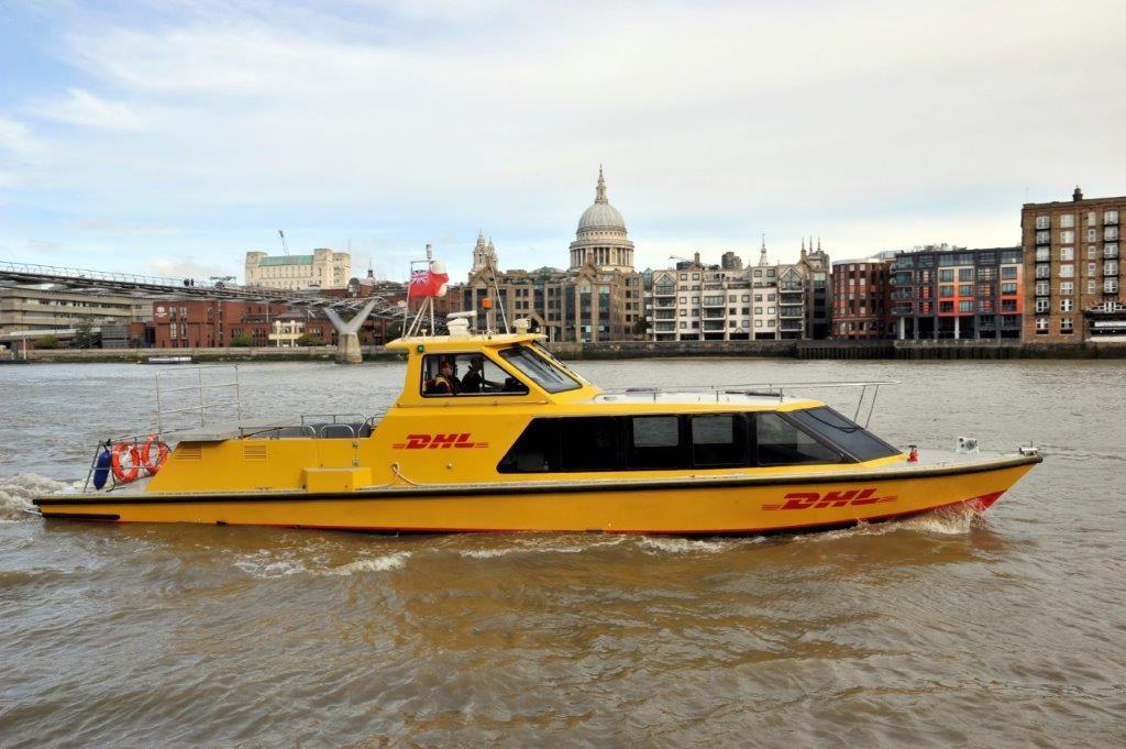 Elvebåt - DHL Express - Themsen - London