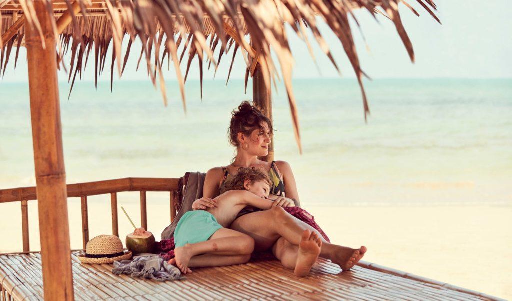 Mor og barn - ferie - Khao Lak - Thailand TUI