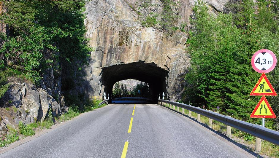 Vei - Tunnel - Skilter - Vedlikehold - Norge - NAF