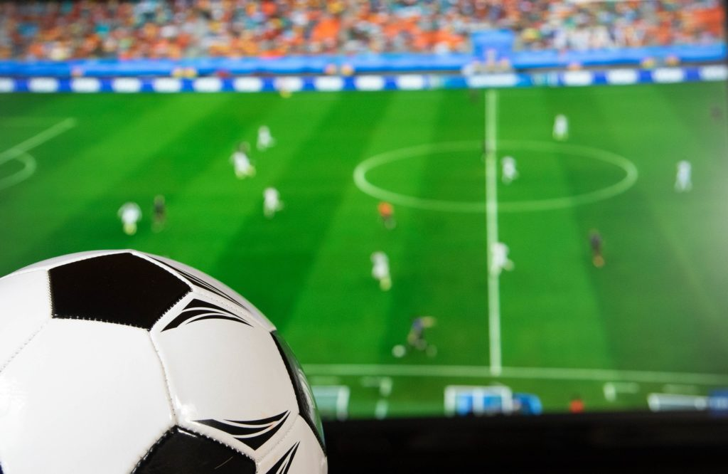 TV- Fotball - Sportspub - London - Marco Verch - Flickr