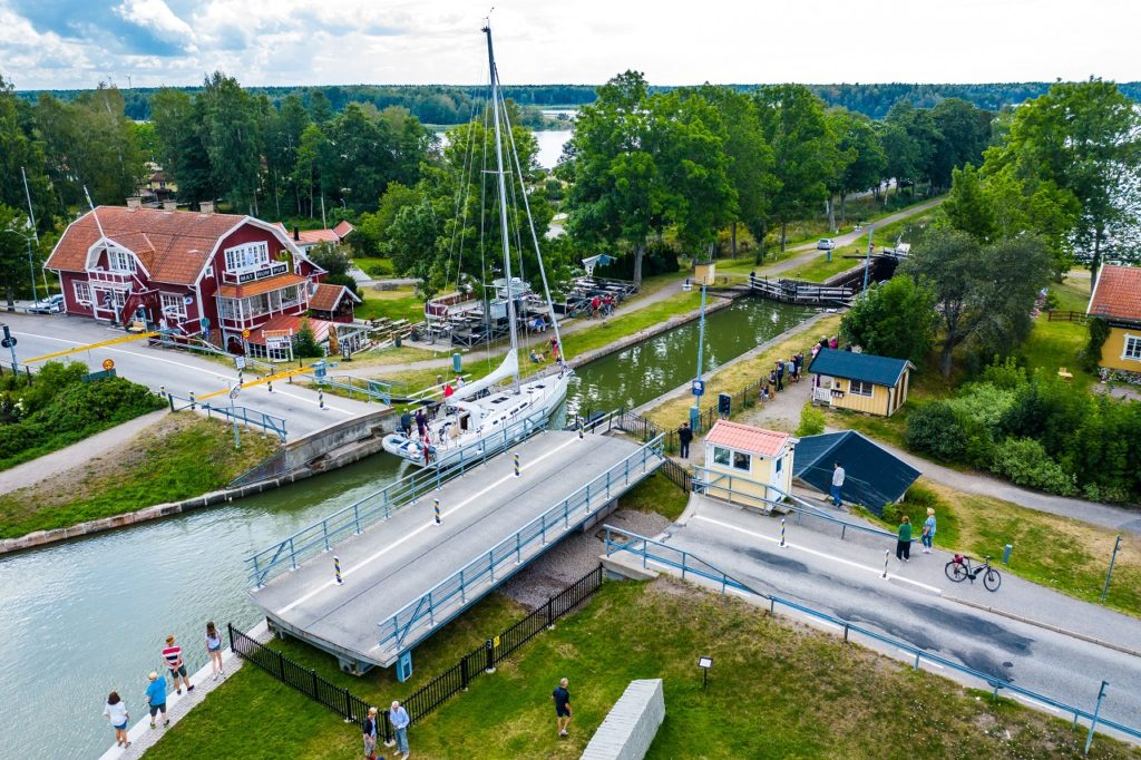 Anhede - sluser - vegkryss - Göta kanal - Sverige
