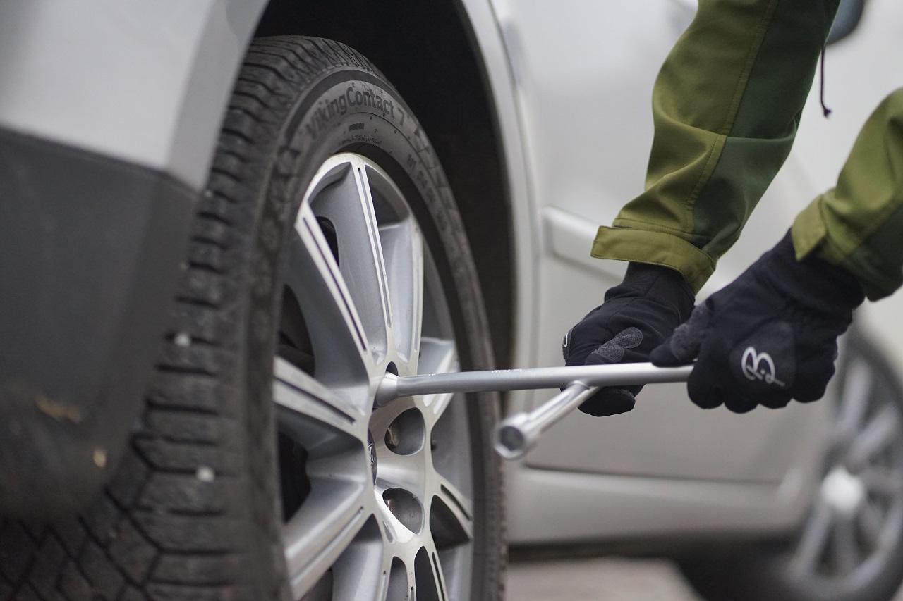 Hjulskift - Personbil - sommerdekk - vinterdekk - If forsikring