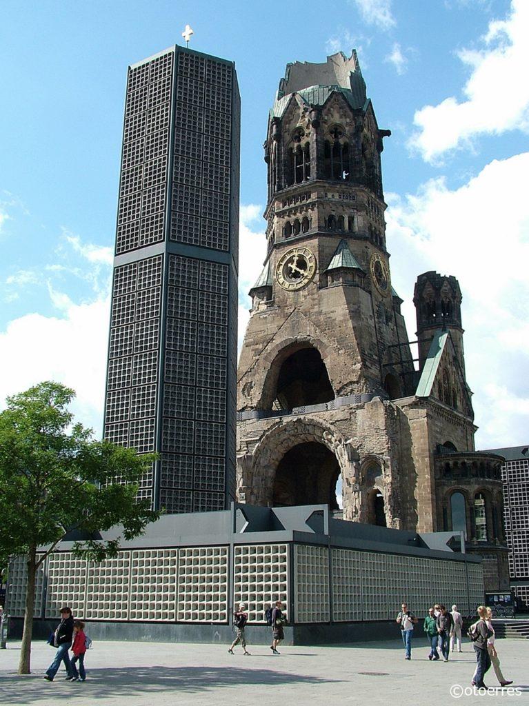 Kaiser-Wilhelm-Gedächtniskirche - Kurfürstendam - Berlin - Tyskland