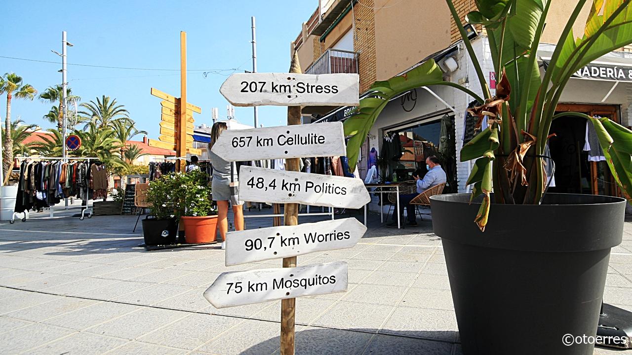 Skilt - Mejias Beach Side - Torre de la Horadada - Costa Blanca - Spania