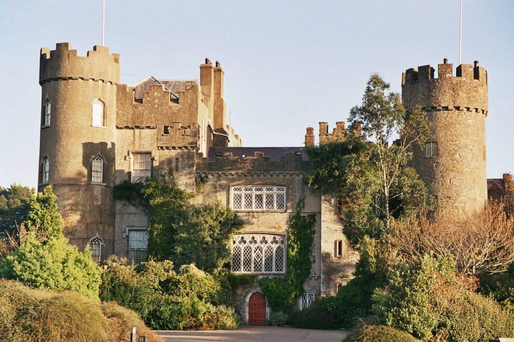 Malahide Castle - Slott - Dublin - Fingal county - Irland