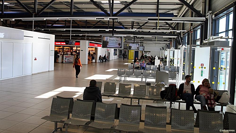 Avgangshall - Schönefeld - Terminal 5 - Berlin Brandenburg Airport Willy Brandt