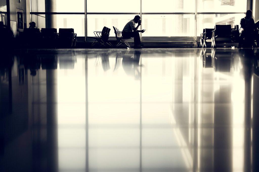 Stille stund - Flyplass - Fremtind