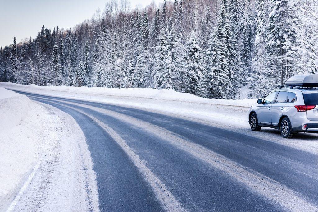 Snø - Vinterføre - Veier - Vinterglatte veier - Fremtind