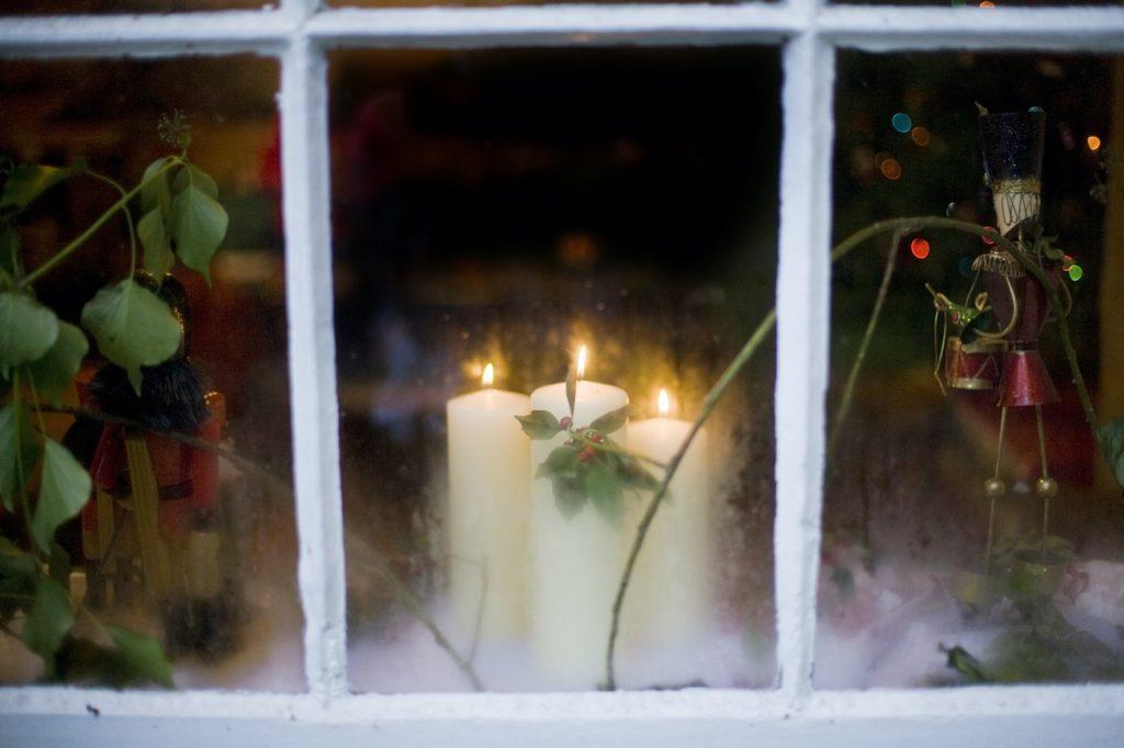 Levende julelys i vinduet - Mountstewart Christmas Event - Irland