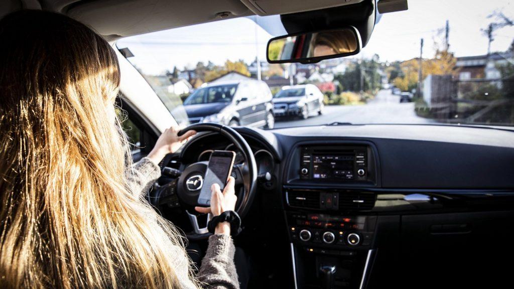 Mobilbruk - Bøter - Bilkjøring - NAF
