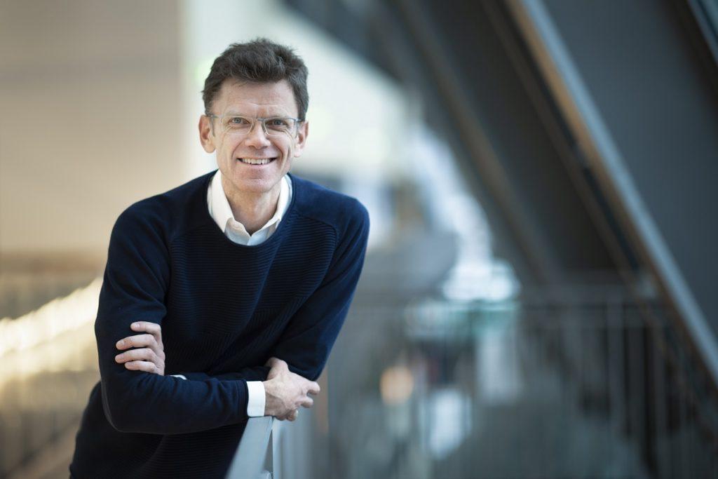 Petter-Børre Furberg - direktør - Telenor