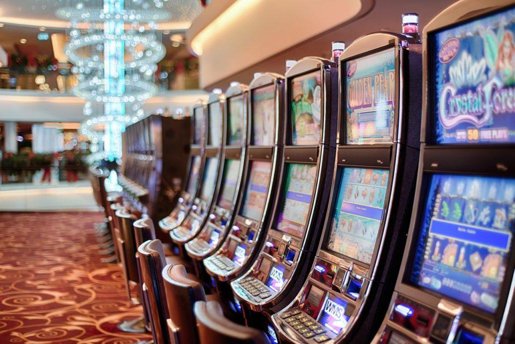 Spilleautomater - En armede gangstere - Casino - Gambling