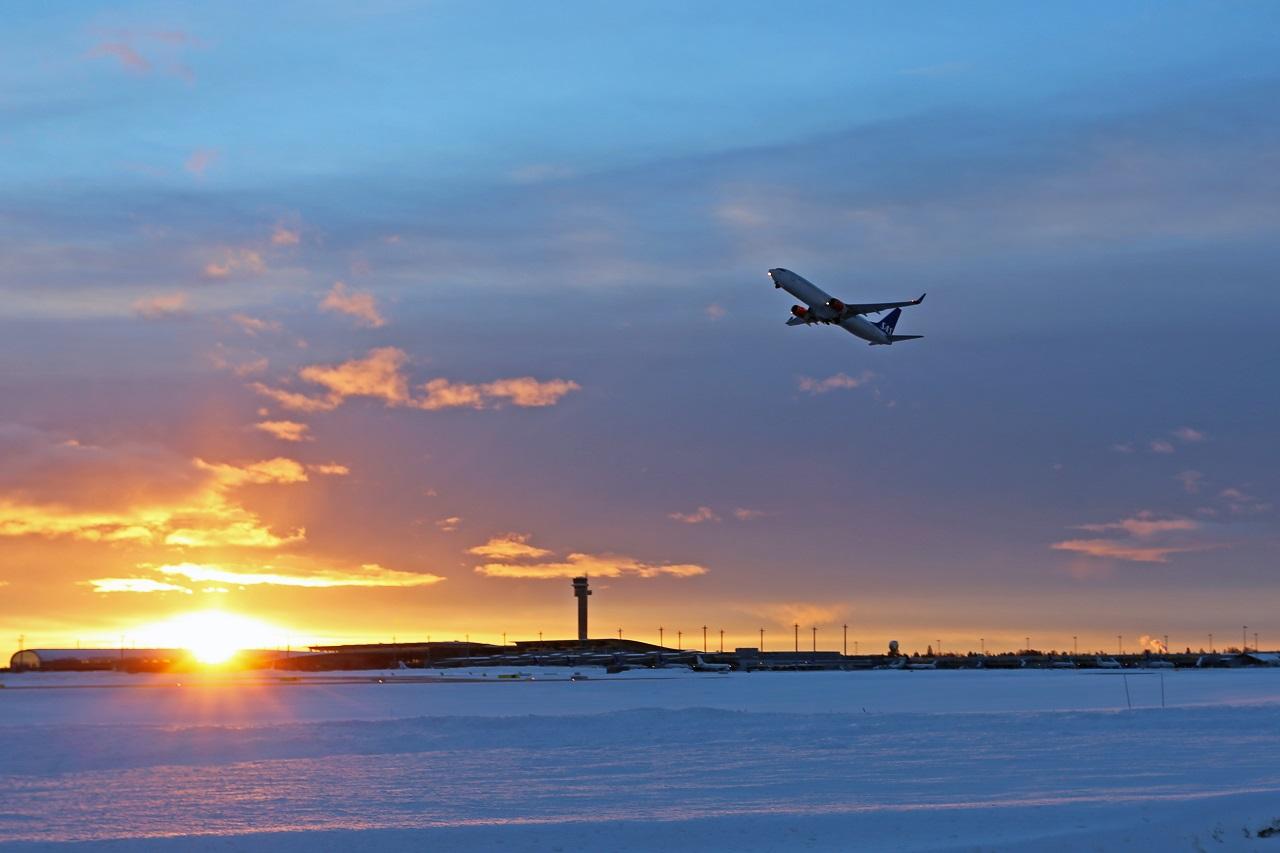 Fraktfly - Sjømat - Takeoff - Oslo lufthavn - Gardermoen - Hovedflyplass