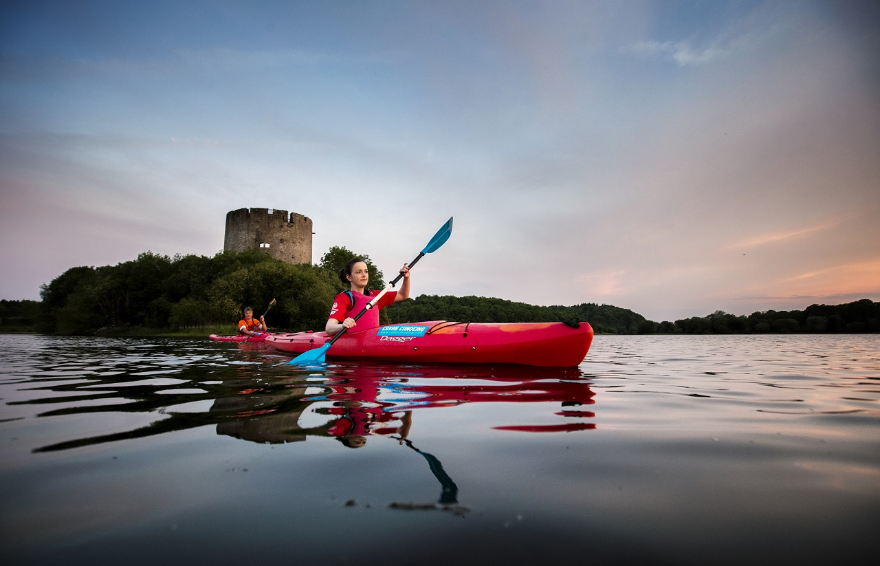 Kajakkpadler - Clough Oughter Castle - Lough Oughter lake - Irland