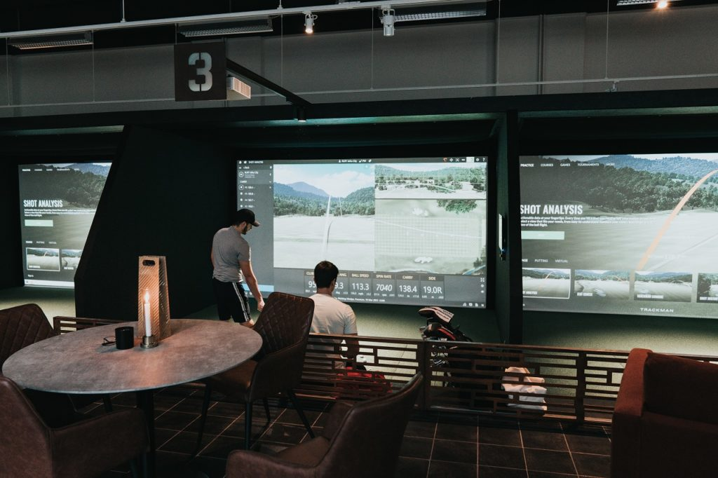 RUFF Indoor Golf Simulatorer - Scandic Infra CIty - Stockholm - Sverige