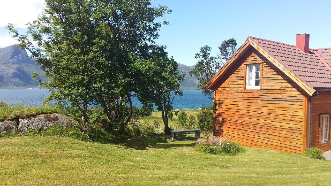 Hytte - sommer - norsk natur - skatteetaten - Helen Rist