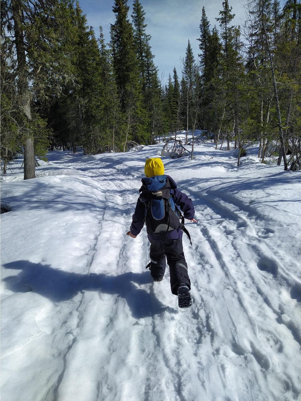 påske - snø - 4-åring - Gropmarka - Innlandet fylke