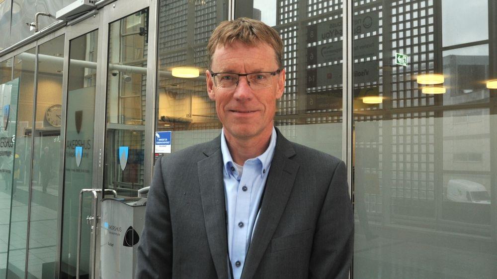 Knut Sletta - jernbanedirektør - Fylkesdirektør