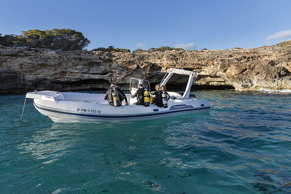 Dykkere - RIB - Dykkerbåt - Mallorca
