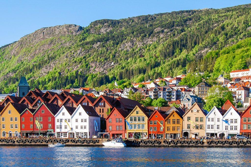 Bryggen - Tyskerbryggen - Fløifjellet -Bergen - Norge - Apollo
