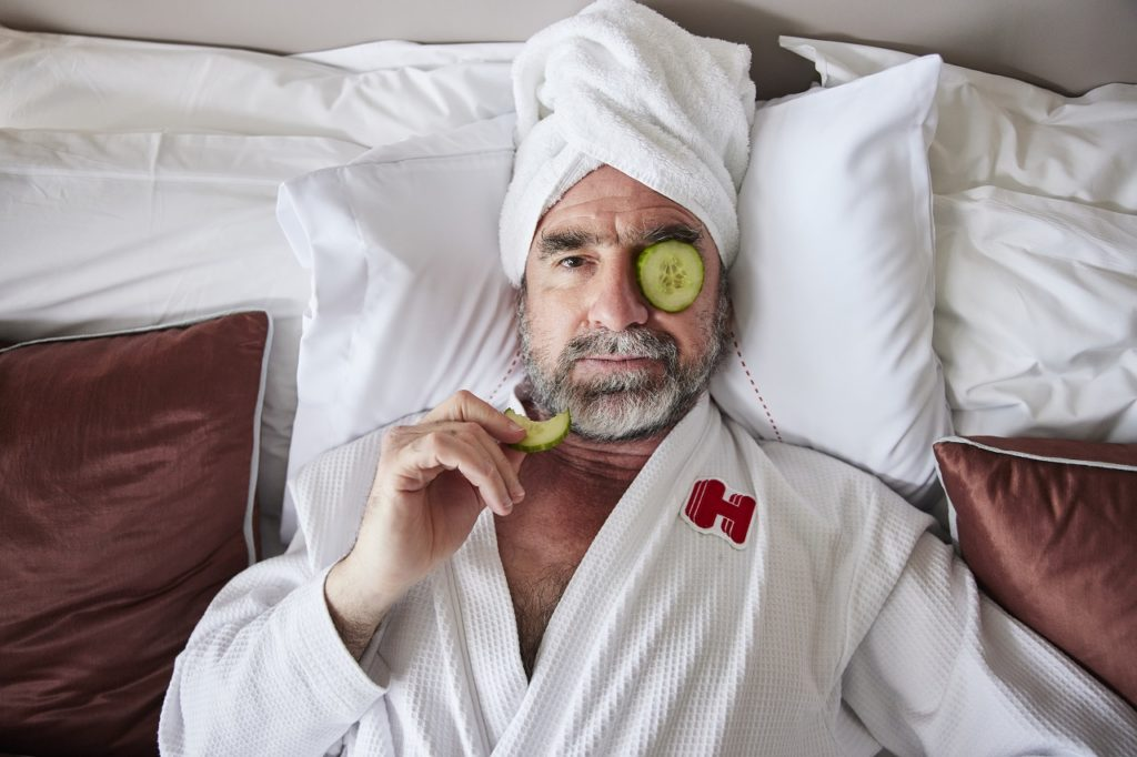 Eric Cantona - Champions League - Hotels.com - Do not disturb suite