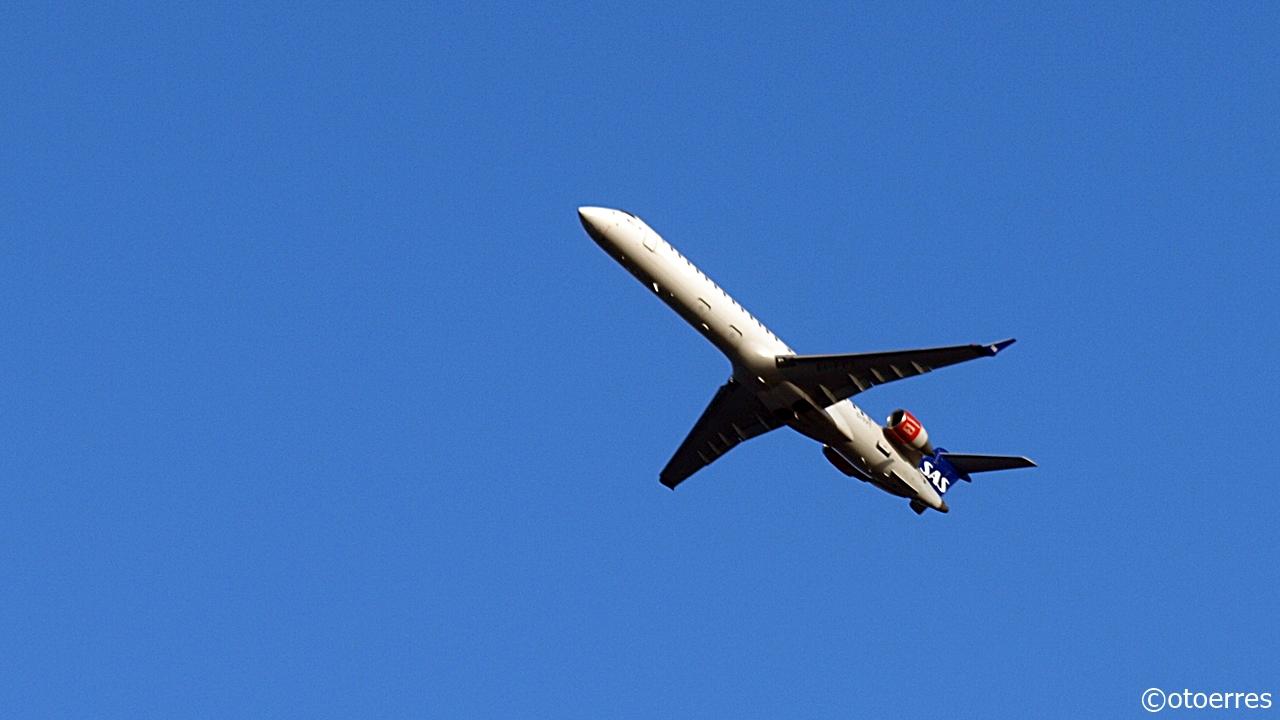 SAS - City Jet - CRJ 900 - take of fra Sola