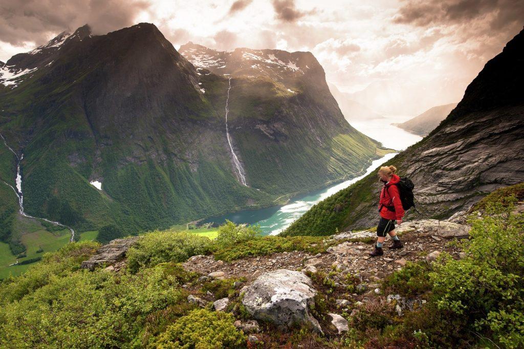 Slogen - Sunnmørsalpene - Møre og Romsdal -Fjord Norge