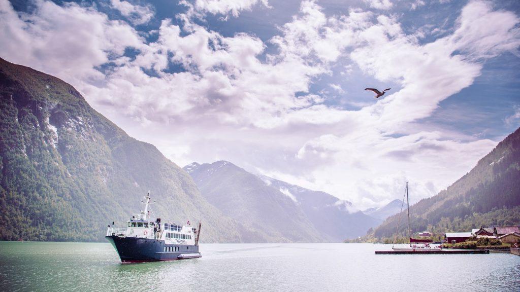 Fjord Lady - turistbåt - Norway`s best - Fjærlandsfjorden - Vestland