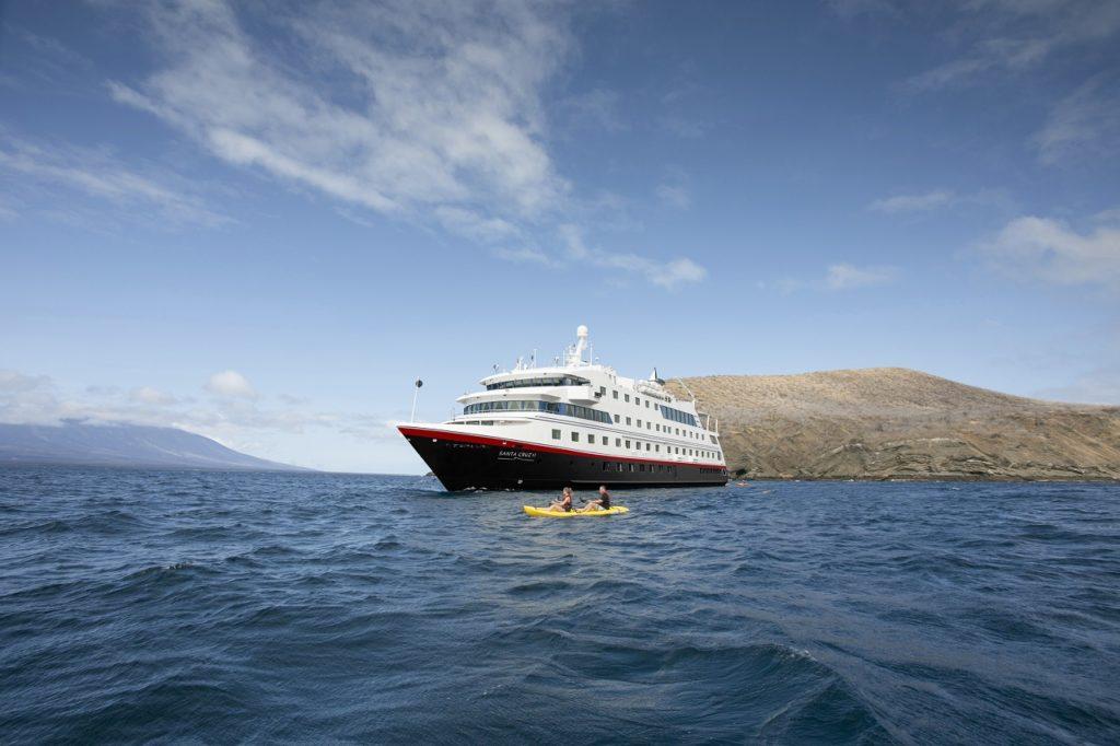 MS Santa Cruz II - Explorerskip - Metrpolitan Touring - Hurtigruten Expeditions