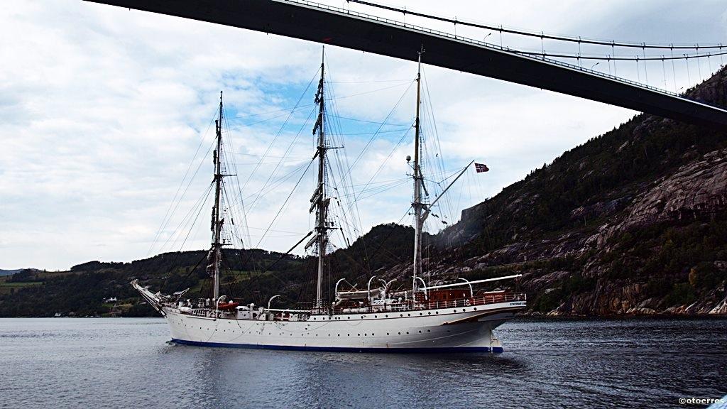Statsraad Lemkuhl - Skoleskip - Seilskute - Lysefordbrua - Lysefjorden