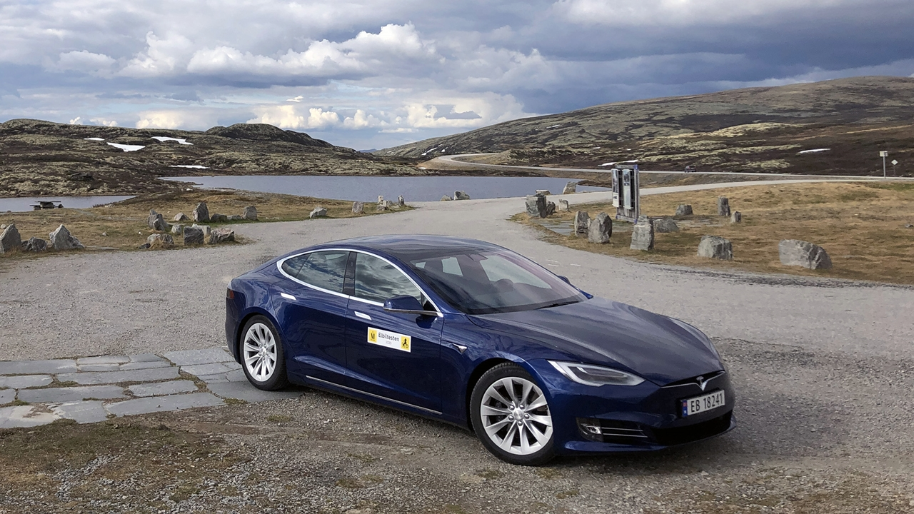 Tesla - Elbil - Rasteplass - Venabygdsfjellet - NAF