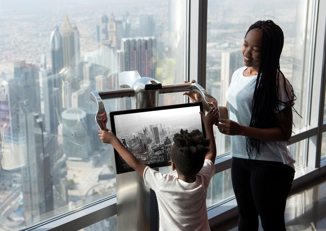 Burj Kalifa - utsikt - 124 etasje - Dubai - Emirates