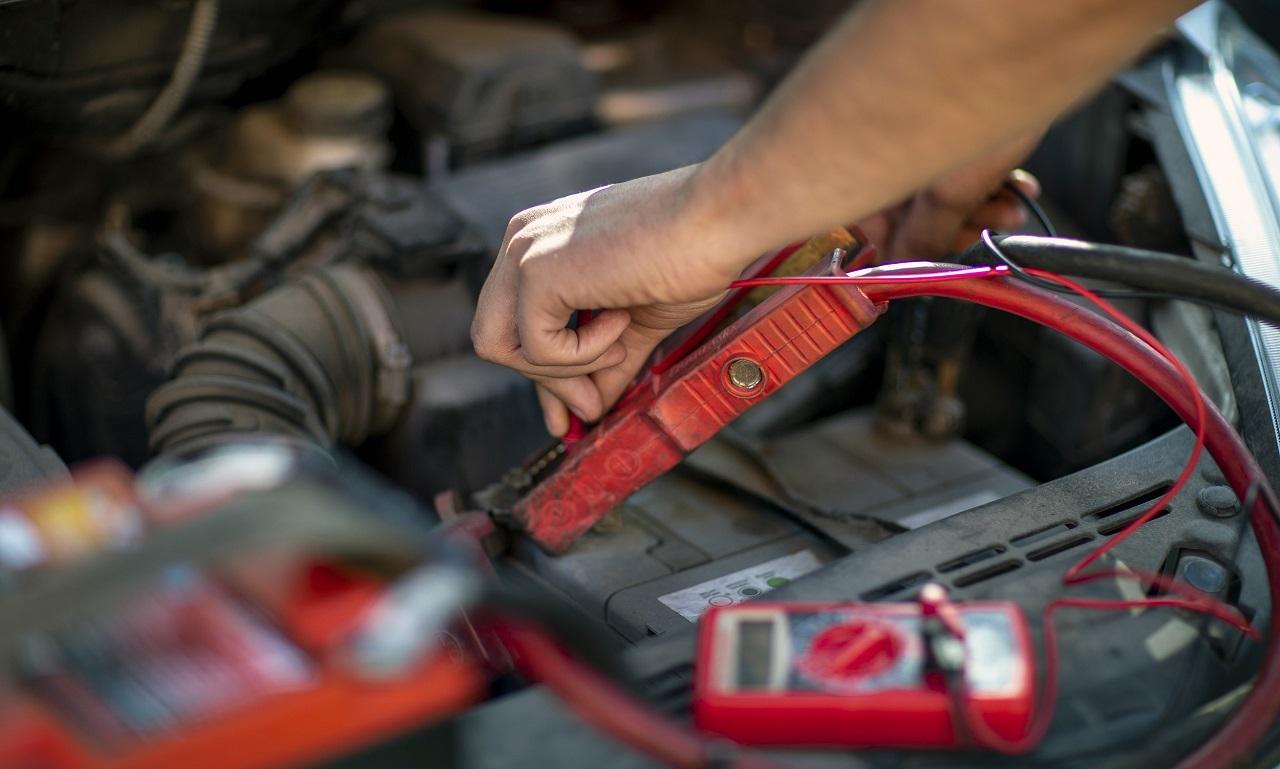 Bilbatteri - hjelpestartkabler - NAF